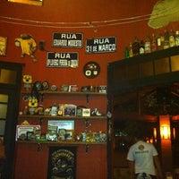 Photo taken at Ponto 1 Bar by Juzefi J. on 2/17/2012