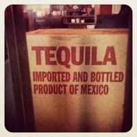 Foto tomada en Mucho Tequila And Tacos por C-Lane el 4/8/2012