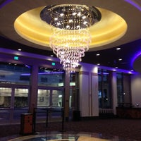 รูปภาพถ่ายที่ Regal Cinemas LA LIVE Stadium 14 โดย Stephanie P. เมื่อ 8/22/2012