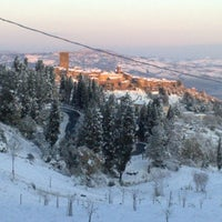 รูปภาพถ่ายที่ Montecatini Val di Cecina โดย Francesco A. เมื่อ 5/23/2012