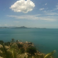 Photo taken at Beverly Hill Samui Resort & Restaurant by Wowow on 7/21/2012