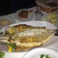 7/14/2012 tarihinde Eda Ü.ziyaretçi tarafından Gemibaşı Restaurant'de çekilen fotoğraf