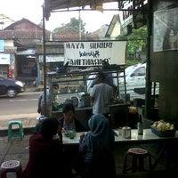 Photo taken at Bubur Ayam Parantina (bubur fay) by Ahmad F. on 5/19/2012