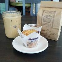 Foto tomada en Little Amps Coffee Roasters por Dan S. el 6/30/2012