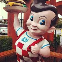 Photo taken at Bob's Big Boy by Jeffrey P. on 4/13/2012