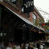 6/24/2012 tarihinde Alison D.ziyaretçi tarafından Vivo Restaurant'de çekilen fotoğraf