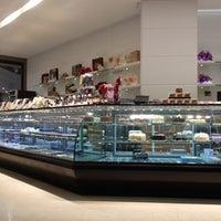 5/30/2012 tarihinde Serkan Y.ziyaretçi tarafından Pelit Pastanesi'de çekilen fotoğraf