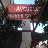 3/18/2012 tarihinde Hakki K.ziyaretçi tarafından Avcuoğlu Börek Salonu'de çekilen fotoğraf