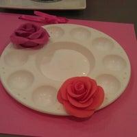 Foto tomada en Alma's Cupcakes por Snows el 8/18/2012