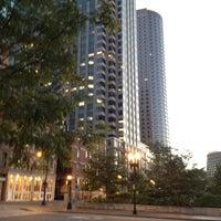 Foto tirada no(a) Dewey Square por Eddie T. em 7/10/2012