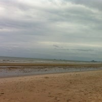 Photo taken at Private Beach by คุงนู๋แอปเปิ้ล น. on 6/17/2012