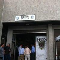 Das Foto wurde bei Mike Hess Brewing von emuchico W. am 5/2/2012 aufgenommen