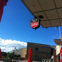 Photo taken at Mac's Brewbar by Gavin M. on 4/24/2012
