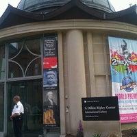 3/12/2012 tarihinde Jean L.ziyaretçi tarafından S. Dillon Ripley Center'de çekilen fotoğraf