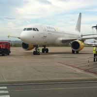 Photo taken at Aeropuerto de Santander - Seve Ballesteros by Francisco Javier on 8/27/2012