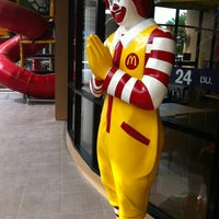 Photo taken at McDonald's by phatchanida n. on 7/15/2012