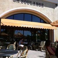 Photo taken at La Boulange de Hamilton by William G. on 5/12/2012