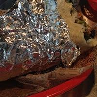 Foto tomada en Chipotle Mexican Grill por Giovanni C. el 6/27/2012