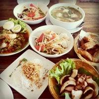 Photo taken at ม่านเมือง อาหารเหนือ by Tangmo' . on 8/3/2012