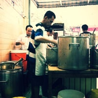 Photo taken at ข้าวหมูแดง สีมรกต by Kasem T. on 2/19/2012