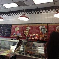 Photo taken at Cold Stone Creamery by Edward L. on 5/28/2012