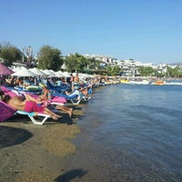 Photo taken at Alora Beach Club by Mihael G. on 8/4/2012