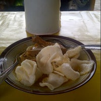 Photo taken at Lontong Sayur Uda Asdi by dewi r. on 2/5/2012