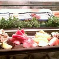 Photo prise au Taka Sushi par Cally F. le4/18/2012