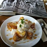 Photo taken at CAFE ZARAME by Ayla K. on 5/22/2012
