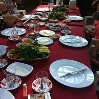 Foto tirada no(a) Çakırlar Köy Kahvaltısı por Ozge Y. em 5/27/2012