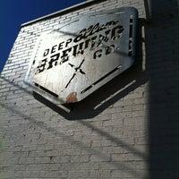 2/11/2012 tarihinde Taylor S.ziyaretçi tarafından Deep Ellum Brewing Company'de çekilen fotoğraf