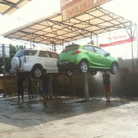 Photo taken at Jet Wash Auto Detailing by ArtDuane on 3/31/2012