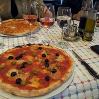 3/8/2012 tarihinde Simgeziyaretçi tarafından La Cucina'de çekilen fotoğraf