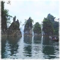 รูปภาพถ่ายที่ เขื่อนรัชชประภา โดย Ying S. เมื่อ 3/27/2012