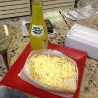 Photo taken at Hot Dog Du Piru by Ricardo Pereira on 9/2/2012