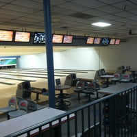 Photo taken at 4th Street Bowl by Reds Place on 8/26/2012