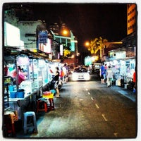 Photo taken at New Lane Hawker Stalls by Alvin B. on 6/25/2012
