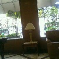 Foto tirada no(a) Hotel San Raphael por César G. em 6/14/2012