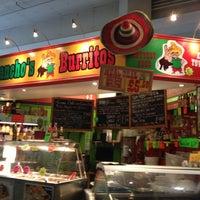 Foto tirada no(a) Pancho's Burritos por Lynsey A. em 7/2/2012