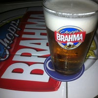 Photo taken at Quiosque Chopp Brahma by Rodrigo Melo B. on 3/31/2012