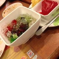 Photo taken at Hot Pot Inter Buffet by Thana W. on 6/25/2012