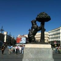 Foto tirada no(a) Estatua del Oso y el Madroño por Raquel V. em 6/17/2012