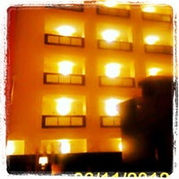 Foto diambil di Hilton Garden Inn Austin Downtown/Convention Center oleh Tinu A. pada 3/12/2012