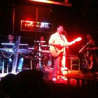 9/2/2012 tarihinde Bora A.ziyaretçi tarafından Cafe Marin'de çekilen fotoğraf
