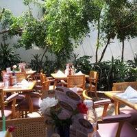 Photo taken at Sanborns by Uzziel T. on 5/18/2012