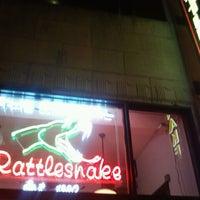 รูปภาพถ่ายที่ The Rattlesnake Roof Deck โดย Candi L. เมื่อ 9/7/2012