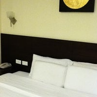 Photo taken at 24 @ Home Hotel by sirikul b. on 2/18/2012