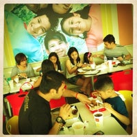 Photo taken at McDonald's by 😍Maika❤️ M. on 4/5/2012