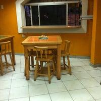 3/24/2012 tarihinde Grace R.ziyaretçi tarafından El Divino'de çekilen fotoğraf