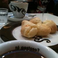 Foto tirada no(a) Press Café por Letícia B. em 2/12/2012